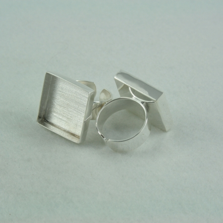 Ring adjustable square