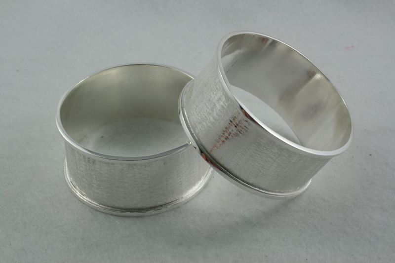 Channel Bangle Wide