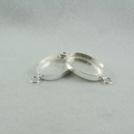 Interchangeable link oval