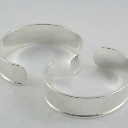 Channel Cuff - narrow silver